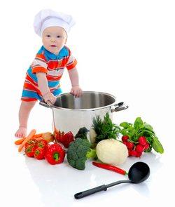 bebek-yemek-yapiyor-1